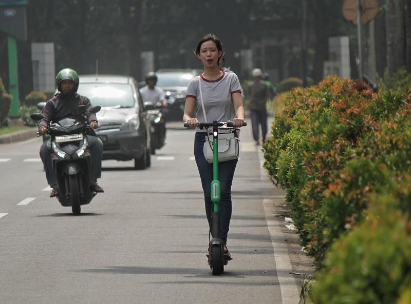 Otopet Dilarang Melaju di Jalan Raya Kota Bandung