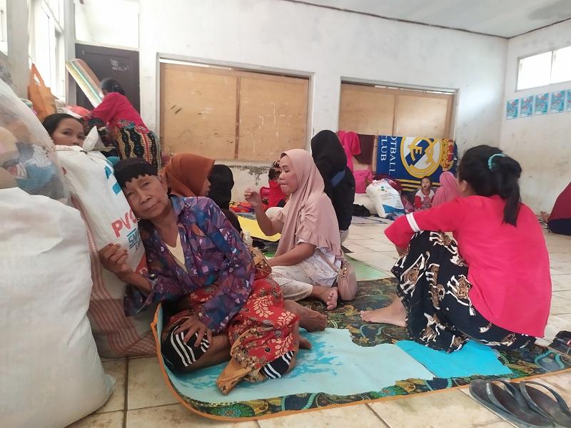 Desa Terisolasi Akibat Longsor di Bogor Belum Terima Bantuan