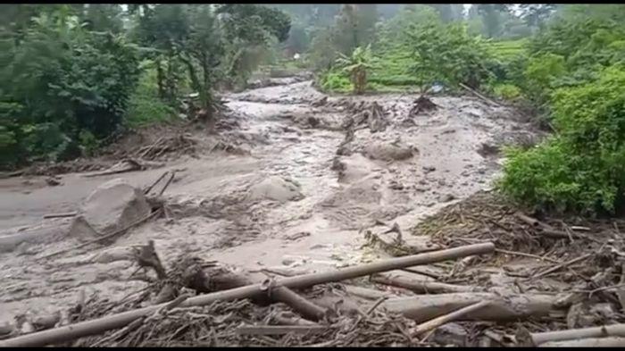 Banjir Bandang Terjang Gunung Mas Puncak, Tidak Ada Korban Jiwa
