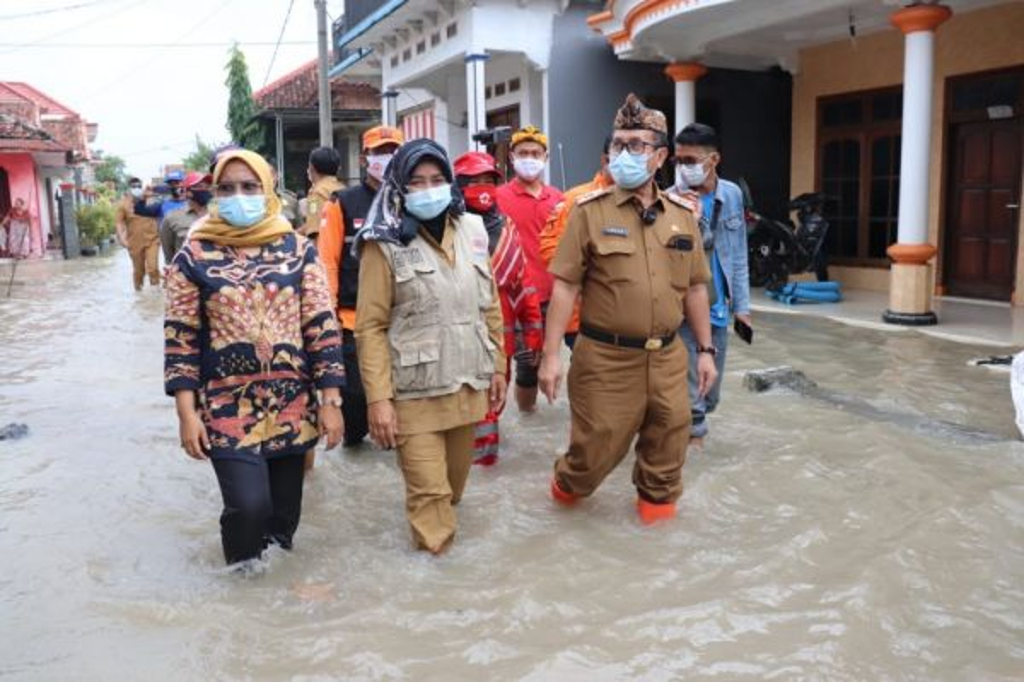 Ribuan Rumah Masih Terendam Banjir, Ini yang akan Dilakukan Bupati Cirebon