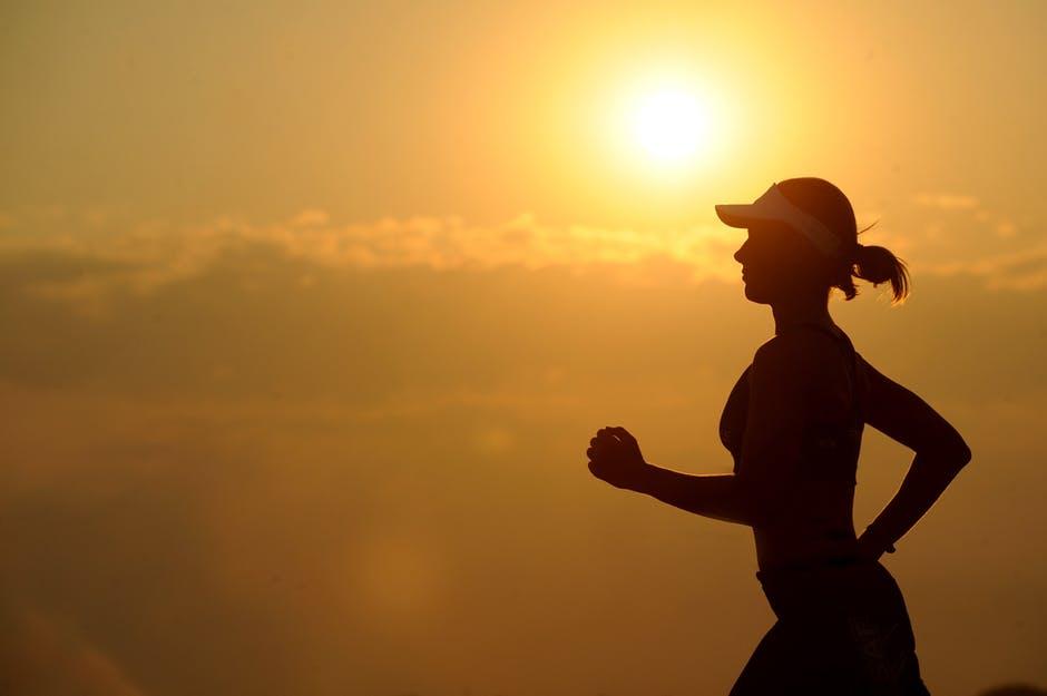 Suka Sakit Perut Saat Lari? Ini Penyebab dan Cara Mengatasinya