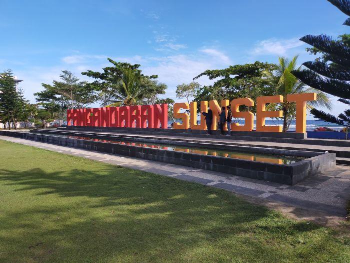 Objek wisata di Pangandaran, Jawa Barat, tetap buka saat libur Lebaran 2021. MI/Adi Kristiadi
