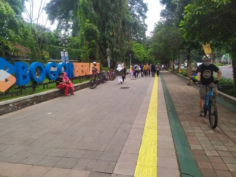 Jalur pedestrian lingkar Kebun Raya Bogor. Medcom.id Rizky Dewantara