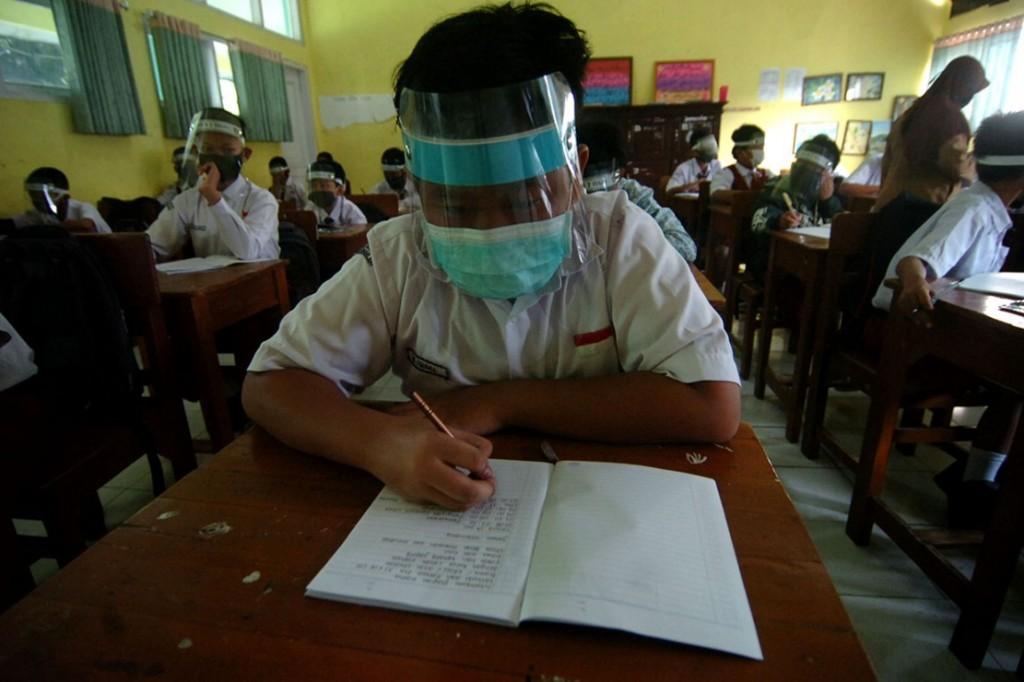 Sekolah di 11 Desa di Garut Dilarang Belajar Tatap Muka