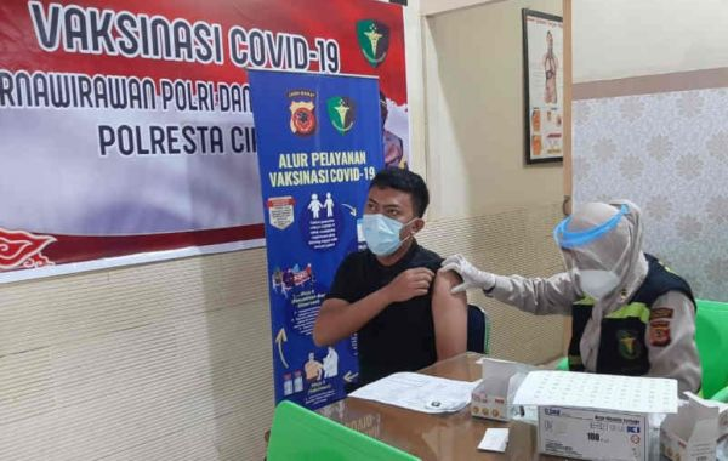 Kabar Baik untuk Warga Cirebon! Ada Vaksinasi Covid-19 Gratis di Poliklinik Polresta