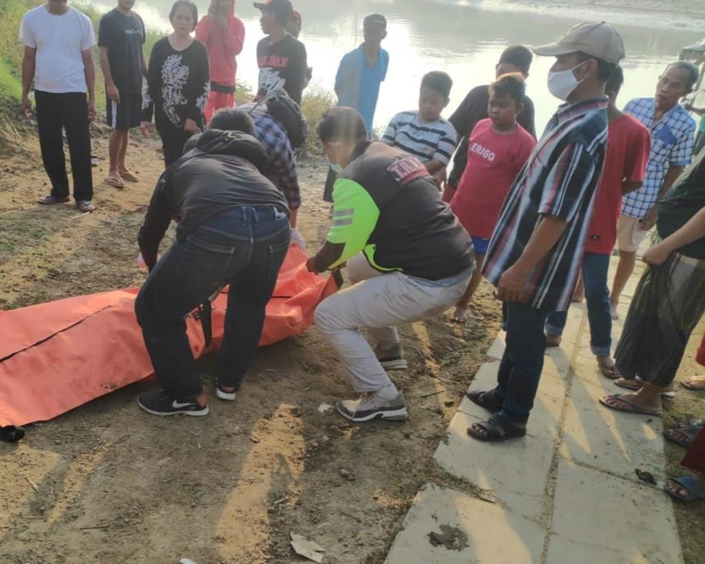 Gegara BAB, 2 Bocah di Bekasi Tewas Terseret Aliran Sungai Citarum
