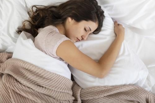 Banyak Manfaat, Praktikkan Posisi Tidur Anjuran Rasulullah Ini