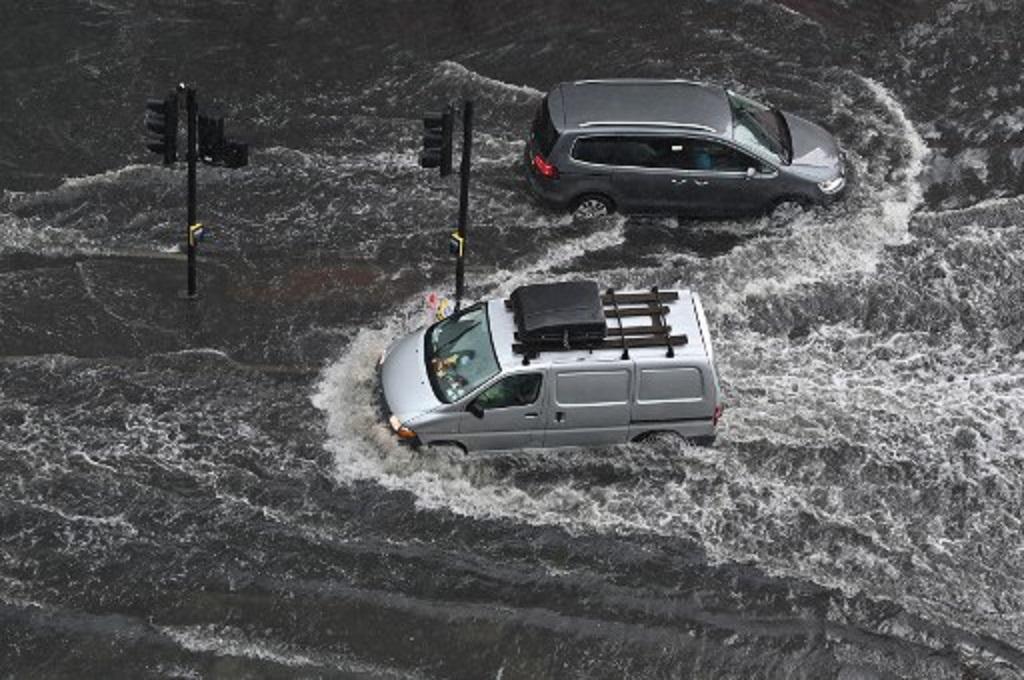Cek 5 Sektor Ini Setelah Mobil Menerjang Banjir