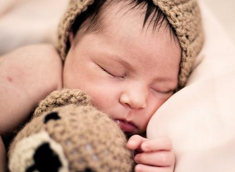Mengubur Ari-ari Bayi, Perlu atau Tidak?
