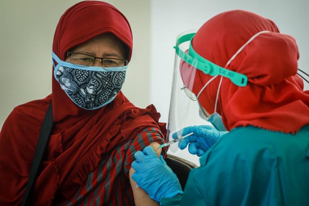 Ma'ruf Amin Jadi Contoh Bukti Vaksin Lansia Aman